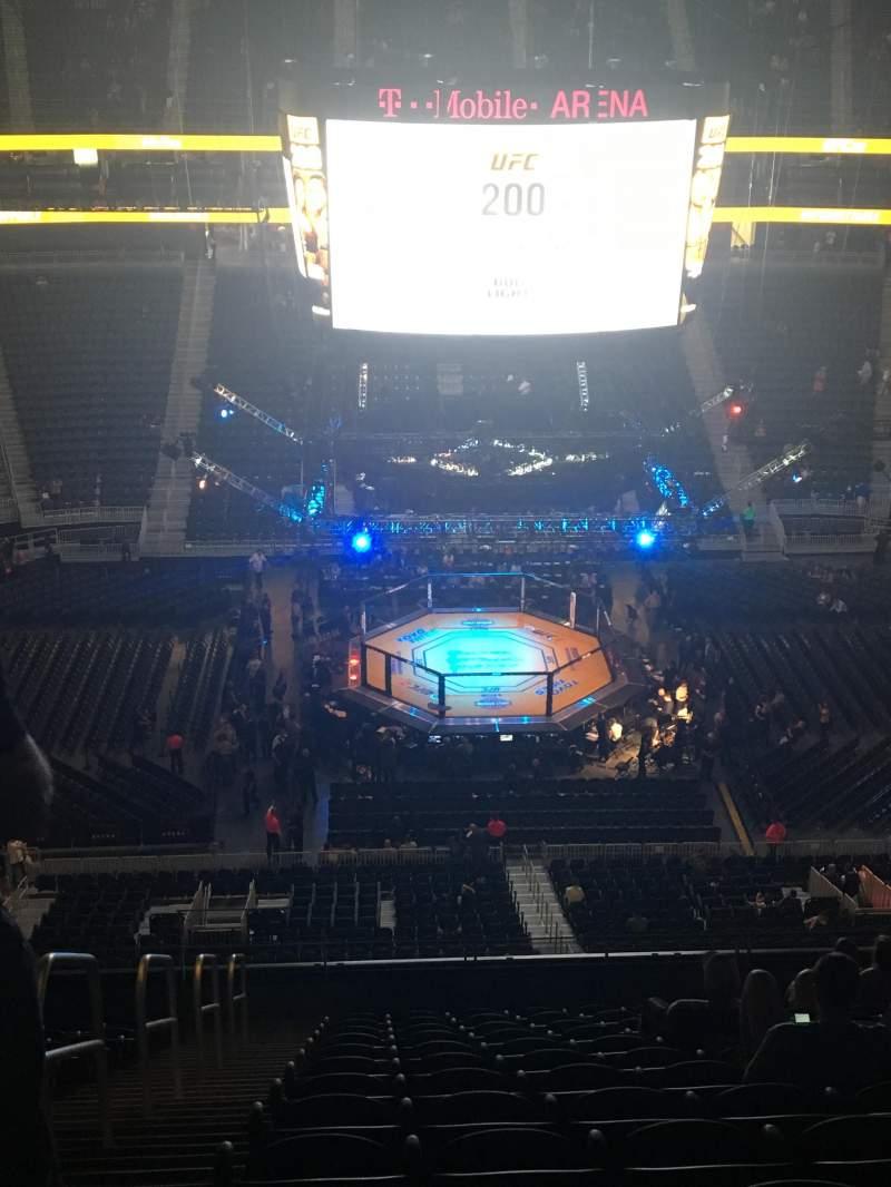 Vista sentada para T-Mobile Arena Secção 205 Fila N Lugar 1