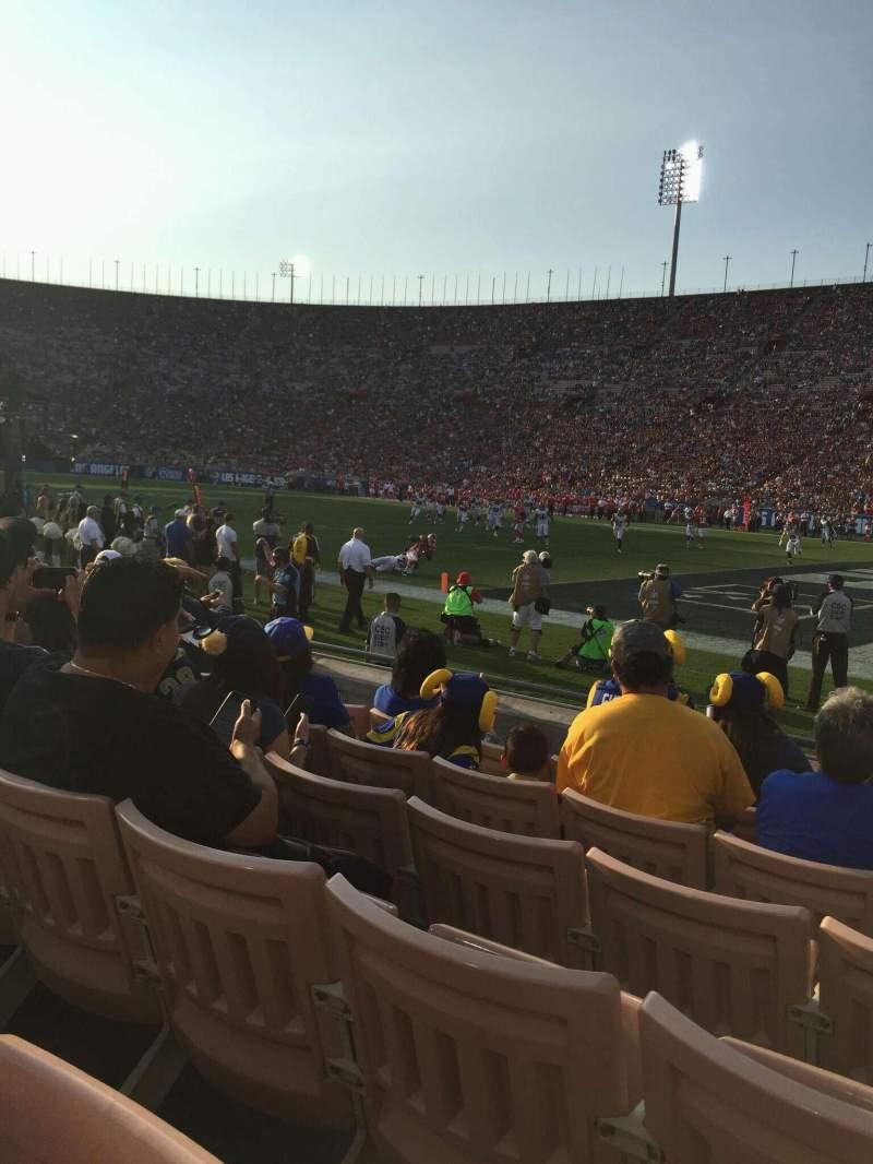 Vista sentada para Los Angeles Memorial Coliseum Secção 4H Fila 6 Lugar 117