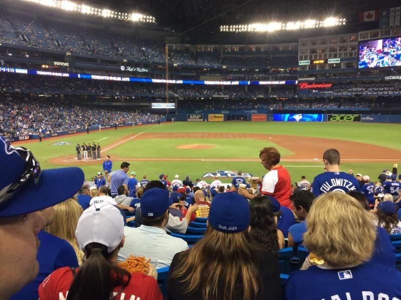 Vista sentada para Rogers Centre Secção 117L Fila 29 Lugar 108