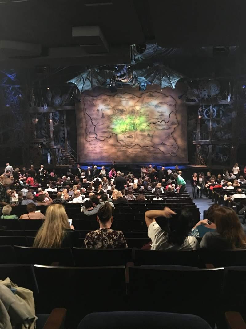 Vista sentada para Gershwin Theatre Secção Orchestra C Fila X Lugar 117