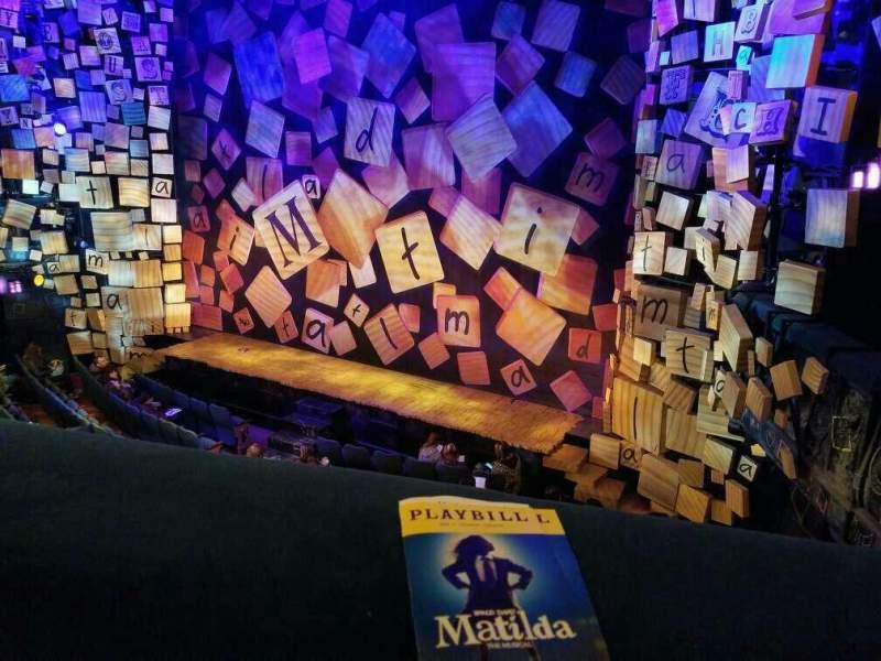 Vista sentada para Shubert Theatre Secção Mezzanine R Fila A Lugar 14 and 16