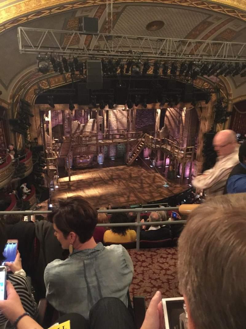 Vista sentada para Richard Rodgers Theatre Secção Rear Mezzanine L Fila C Lugar 15