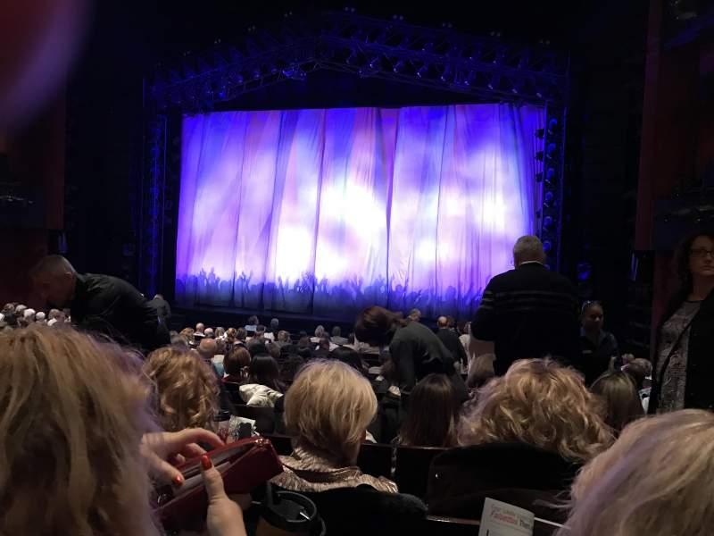 Vista sentada para Marquis Theatre Secção Orchestra C Fila R Lugar 124