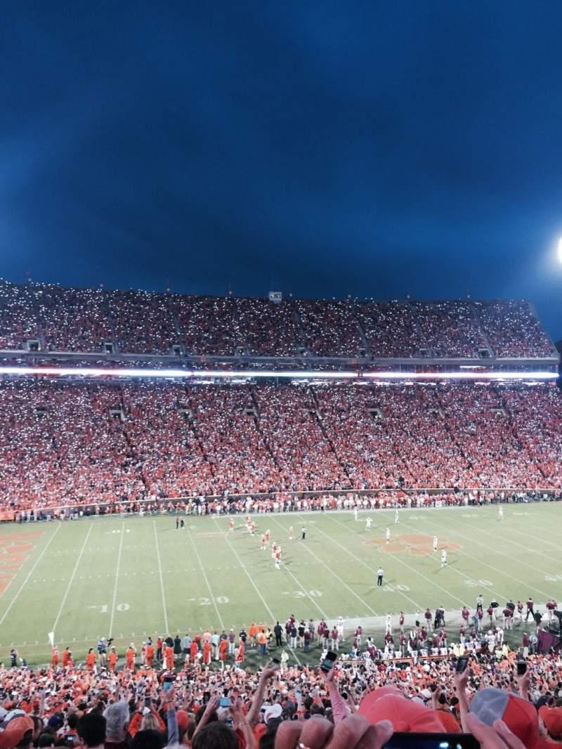 Vista sentada para Memorial Stadium, Clemson Secção UM Fila O Lugar 13