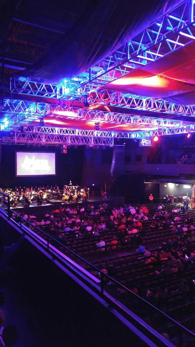 Vista sentada para Revention Music Center Secção 206 Fila B Lugar 9