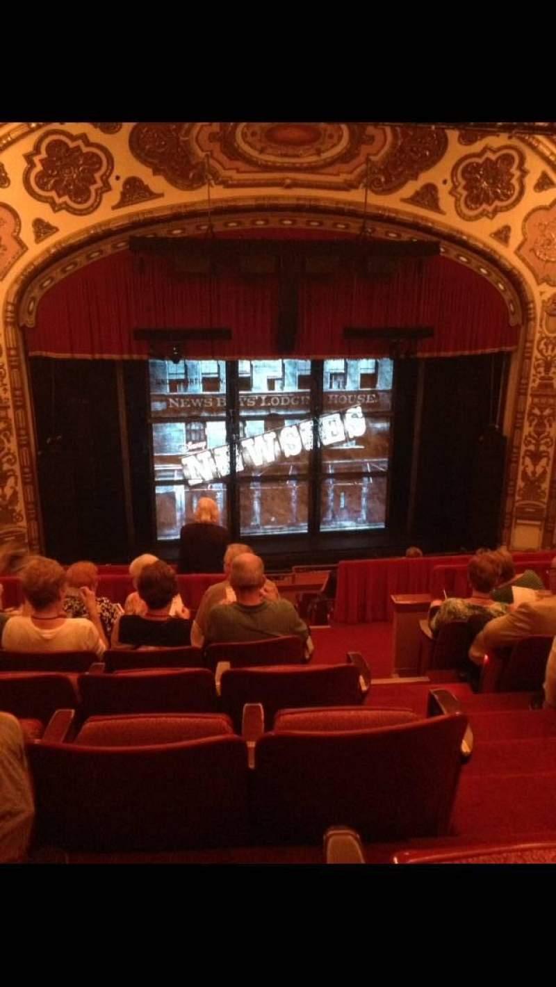 Vista sentada para Cadillac Palace Theater Secção Balcony LC Fila J Lugar 306