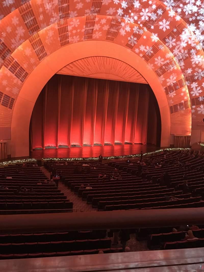 Vista sentada para Radio City Music Hall Secção 1st mezzanine 6 Fila A Lugar 611