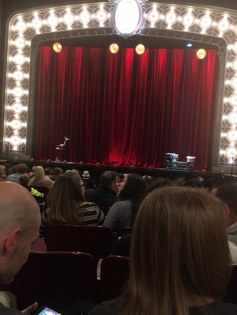 Vista sentada para Palace Theatre (Broadway) Secção Orchestra Fila M Lugar 104