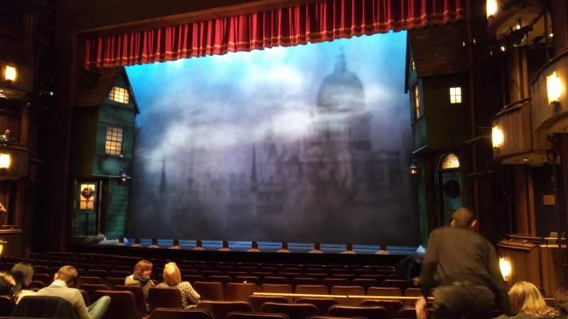Vista sentada para Goodman Theatre - Albert Theatre Secção Aisle 2 Fila M Lugar 8