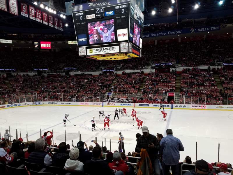 Vista sentada para Joe Louis Arena Secção 106 Fila 15 Lugar 15