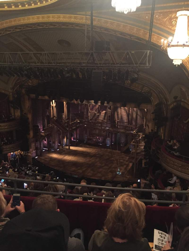 Vista sentada para Richard Rodgers Theatre Secção Rear Mezzanine R Fila J Lugar 24