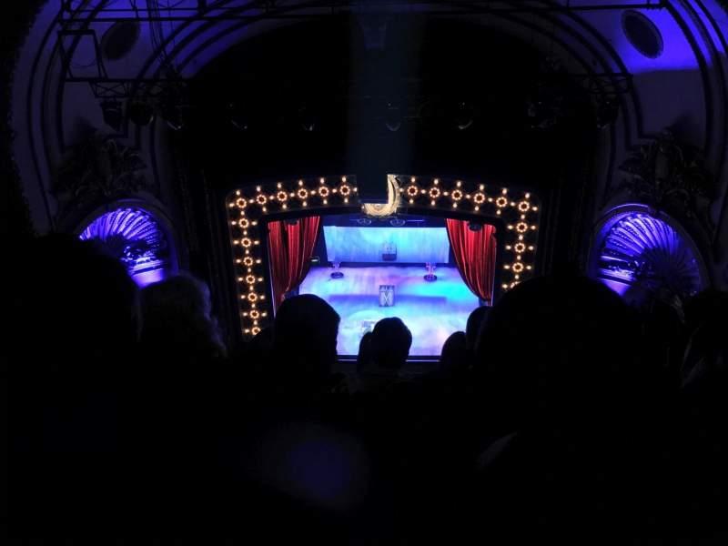 Vista sentada para Palace Theatre (Broadway) Secção Balcony Fila F Lugar 110