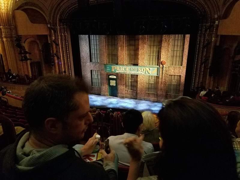 Vista sentada para Al Hirschfeld Theatre Secção Mezzanine R Fila K Lugar 4