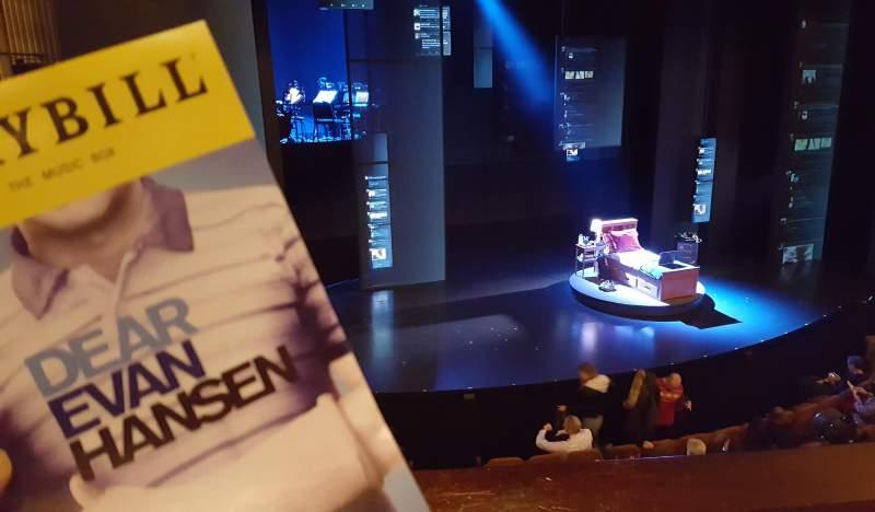 Vista sentada para Music Box Theatre Secção Mezzanine L Fila B Lugar 9