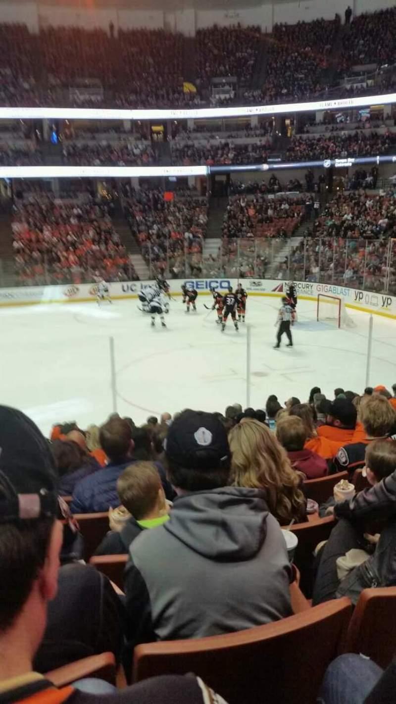 Vista sentada para Honda Center Secção 220 Fila m Lugar 14