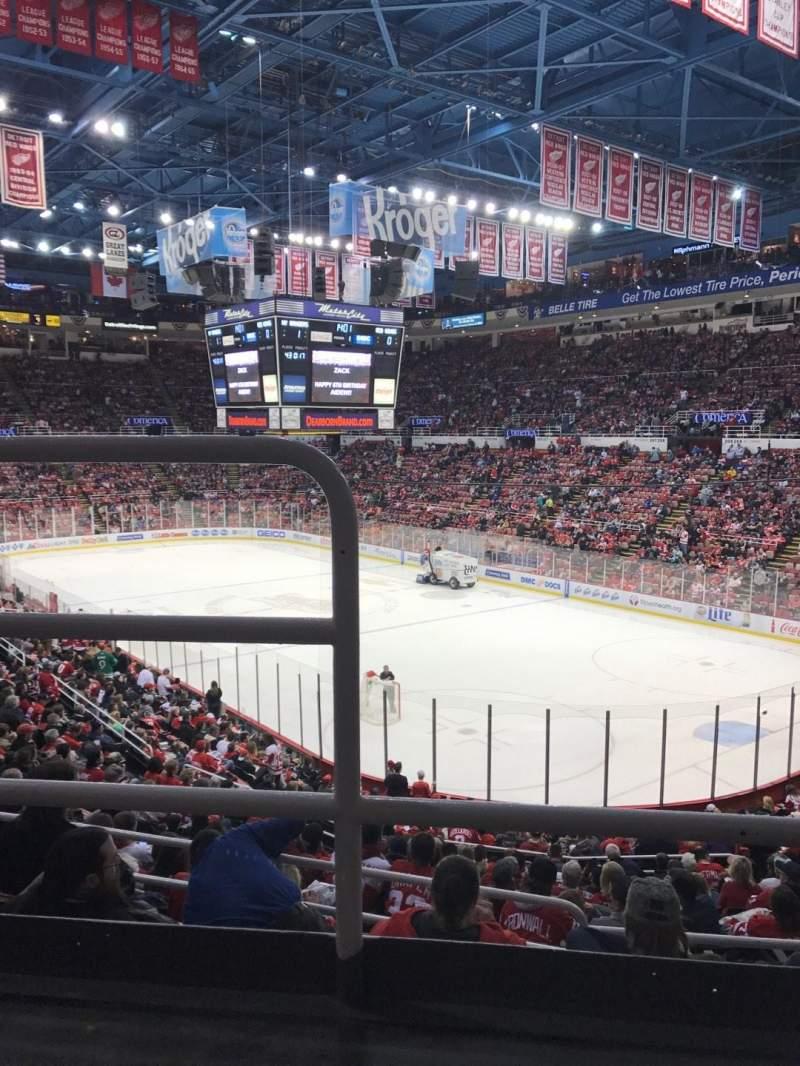 Vista sentada para Joe Louis Arena Secção 217 Fila 2 Lugar 16