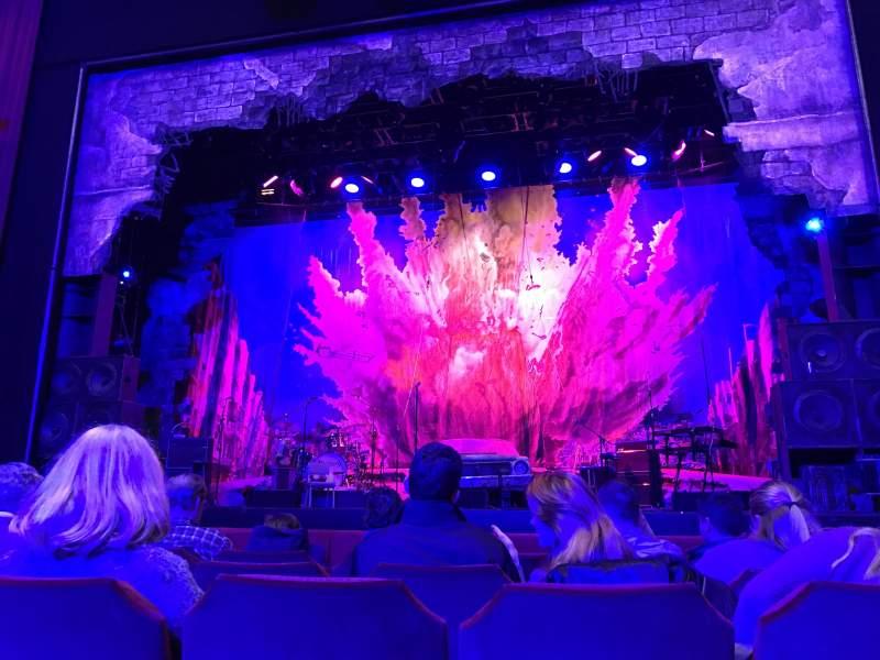 Vista sentada para Nederlander Theatre (Chicago) Secção Orchestra C Fila E Lugar 114