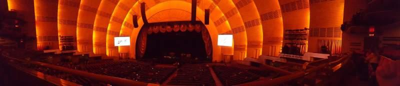 Vista sentada para Radio City Music Hall Secção 1st mezzanine 3 Fila A Lugar 303