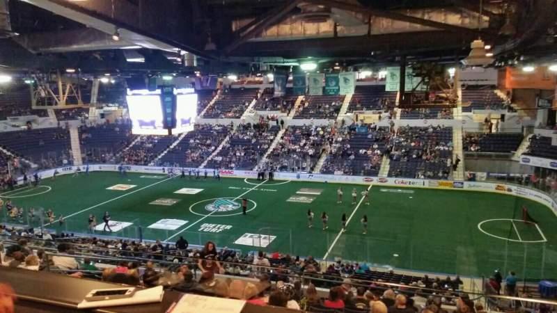 Vista sentada para Blue Cross Arena Secção Suite 21