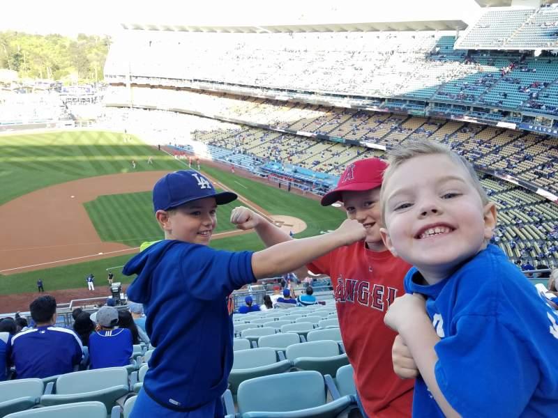 Vista sentada para Dodger Stadium Secção 19RS Fila O Lugar 11