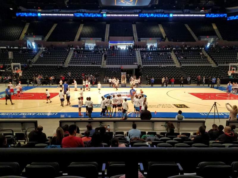 Vista sentada para Nassau Veterans Memorial Coliseum Secção 117 Fila 1 Lugar 9