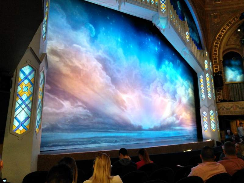 Vista sentada para Eugene O'Neill Theatre Secção Orchestra L Fila F Lugar 17