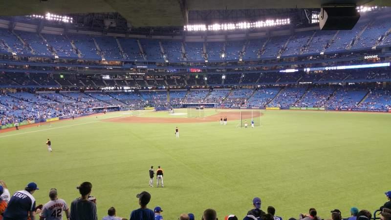 Vista sentada para Rogers Centre Secção 103L Fila 10 Lugar 108