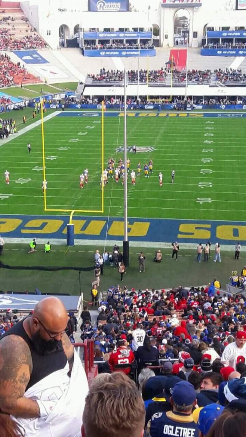 Vista sentada para Los Angeles Memorial Coliseum Secção 213 Fila 17 Lugar 45