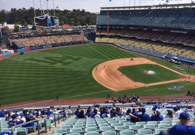 Vista sentada para Dodger Stadium Secção 29RS Fila AA Lugar 4