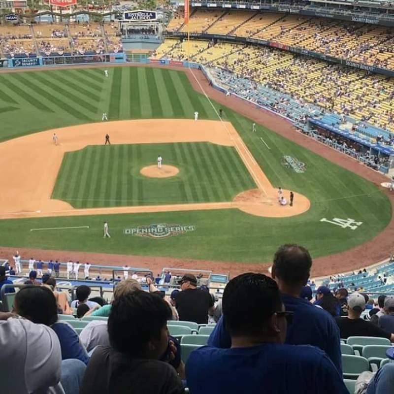 Vista sentada para Dodger Stadium Secção 11RS Fila R Lugar 4