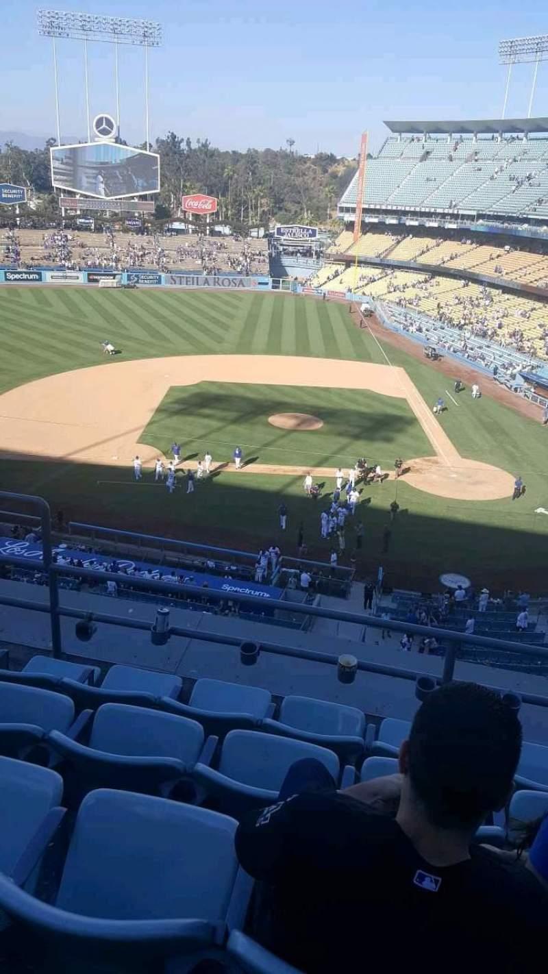 Vista sentada para Dodger Stadium Secção 11RS Fila E Lugar 16