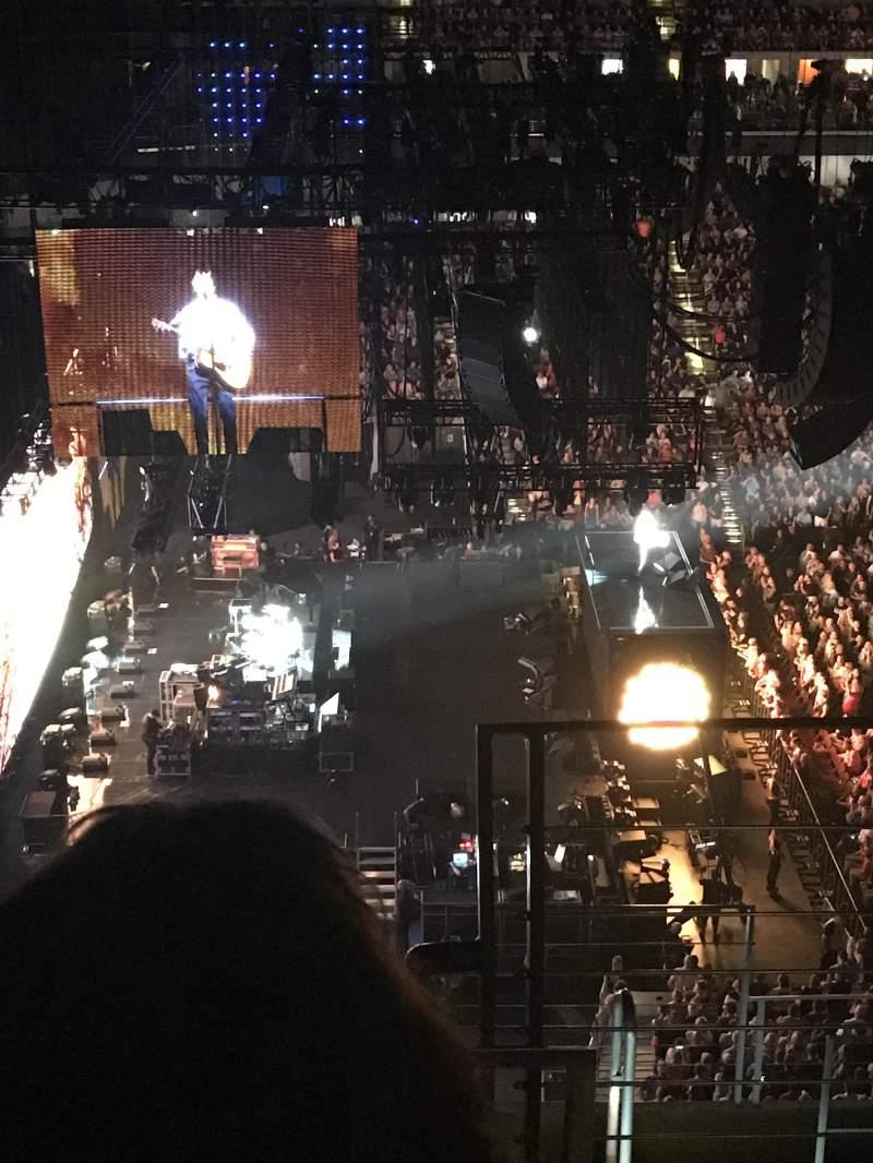 Vista sentada para Wells Fargo Arena Secção 323 Fila H Lugar 1
