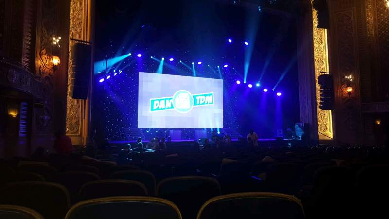 Vista sentada para Paramount Theatre (Seattle) Secção MF4 Fila S Lugar 3