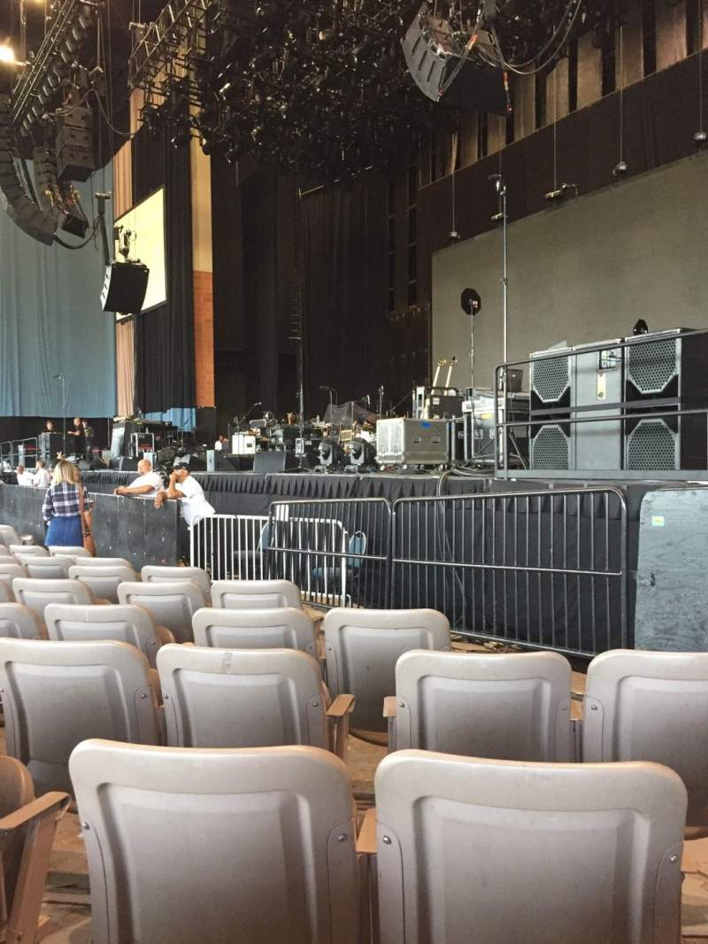 Vista sentada para Xfinity Theatre Secção 100 Fila I Lugar 117