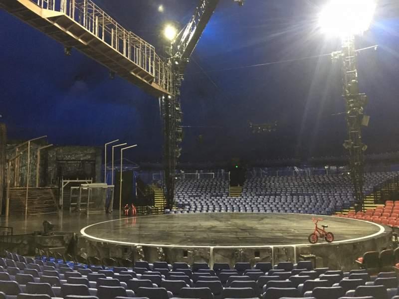 Vista sentada para Cirque Du Soleil - Volta Secção 203 Fila H