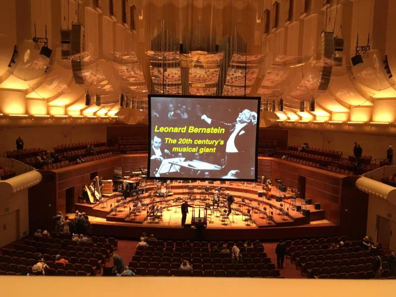 Vista sentada para Davies Symphony Hall Secção Loge Fila A Lugar 3