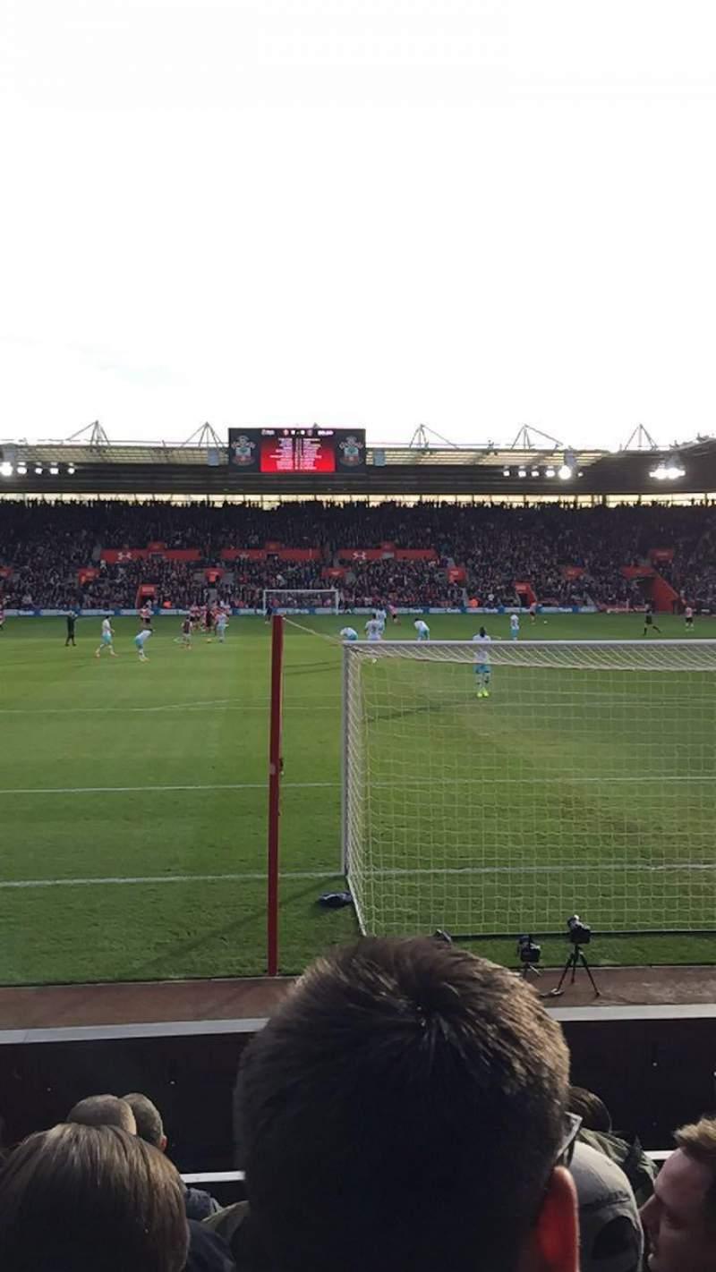 Vista sentada para St Mary's Stadium Secção 43 Fila F Lugar 1144