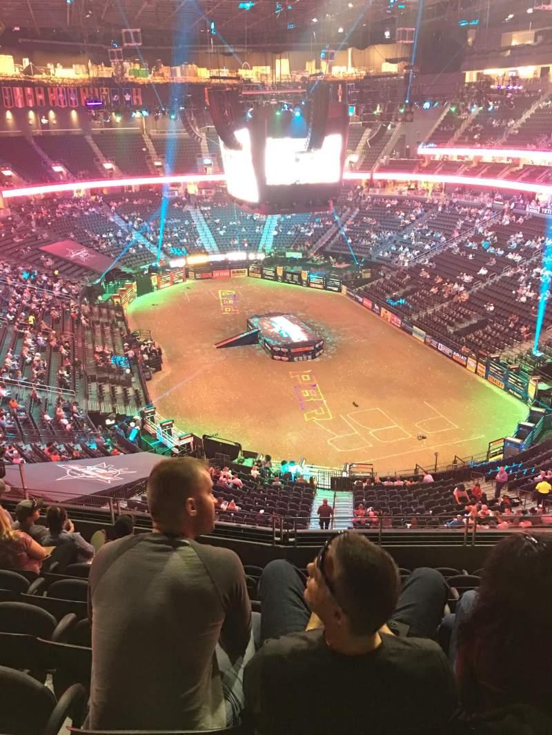 Vista sentada para T-Mobile Arena Secção 212 Fila H Lugar 10
