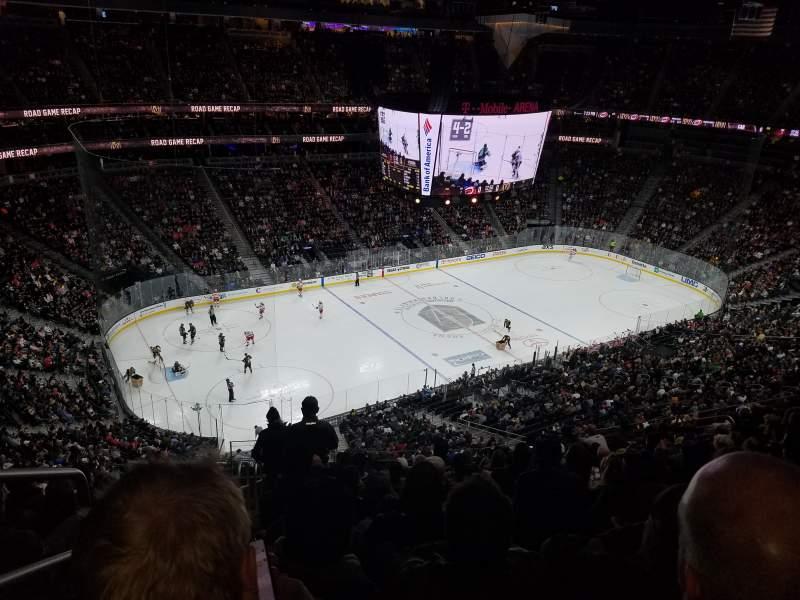 Vista sentada para T-Mobile Arena Secção 202 Fila M Lugar 1