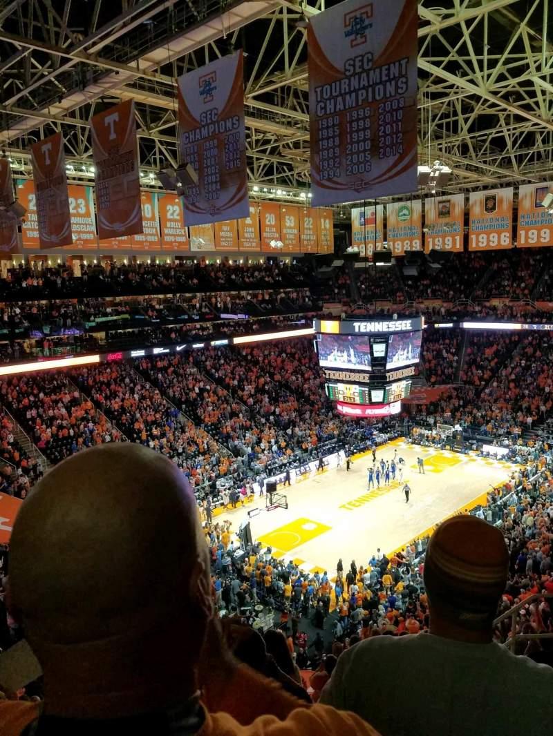 Vista sentada para Thompson-Boling Arena Secção 326 Fila 7 Lugar 6