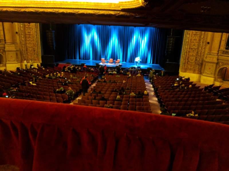 Vista sentada para Chicago Theatre Secção Mezzanine Box M Lugar 1