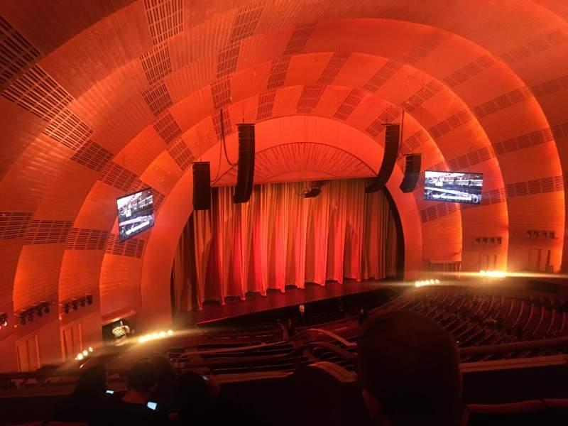 Vista sentada para Radio City Music Hall Secção 3rd mezzanine 7 Fila D Lugar 702