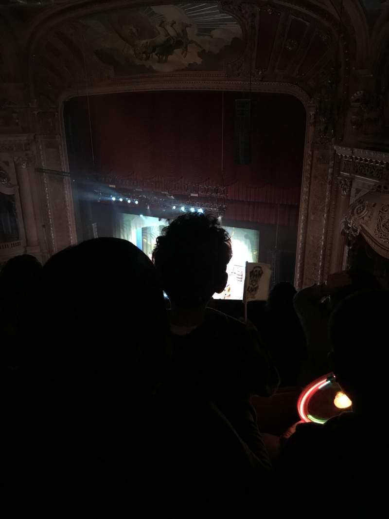 Vista sentada para Chicago Theatre Secção Balcony1R Fila Q Lugar 110