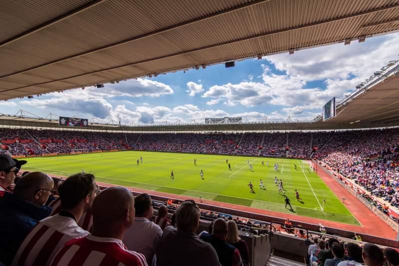 Vista sentada para St Mary's Stadium Secção 3 Fila 25