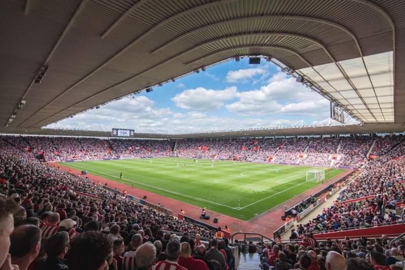 Vista sentada para St Mary's Stadium Secção 25