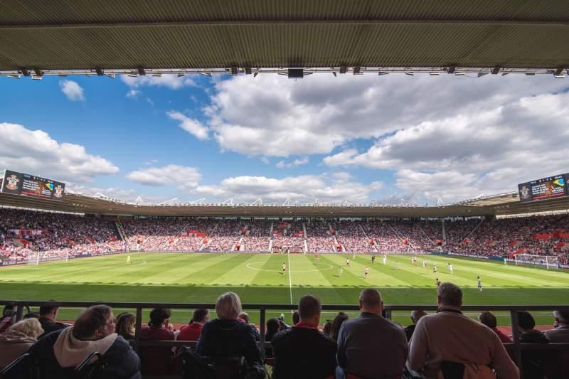 Vista sentada para St Mary's Stadium Secção 31