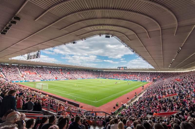 Vista sentada para St Mary's Stadium Secção 38