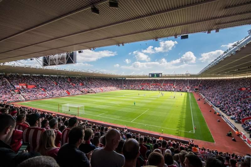 Vista sentada para St Mary's Stadium Secção 40