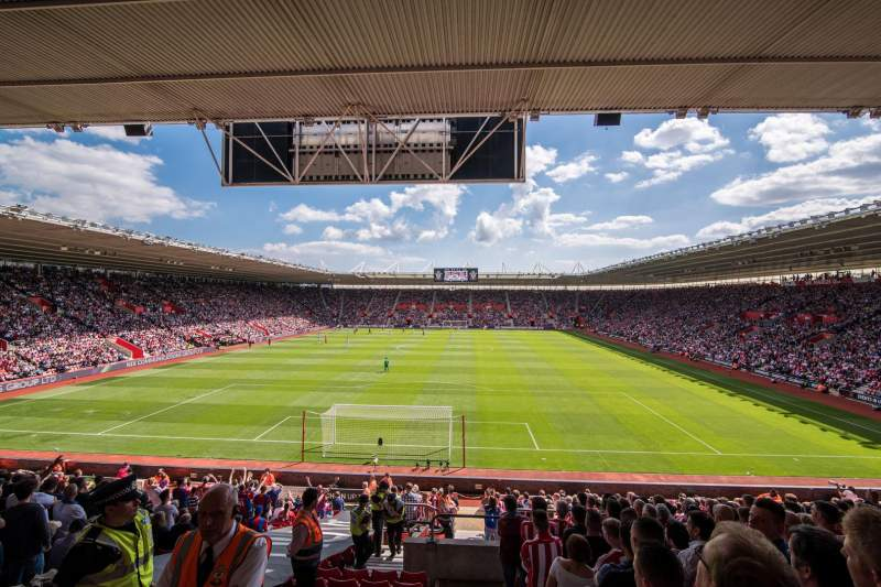 Vista sentada para St Mary's Stadium Secção 43