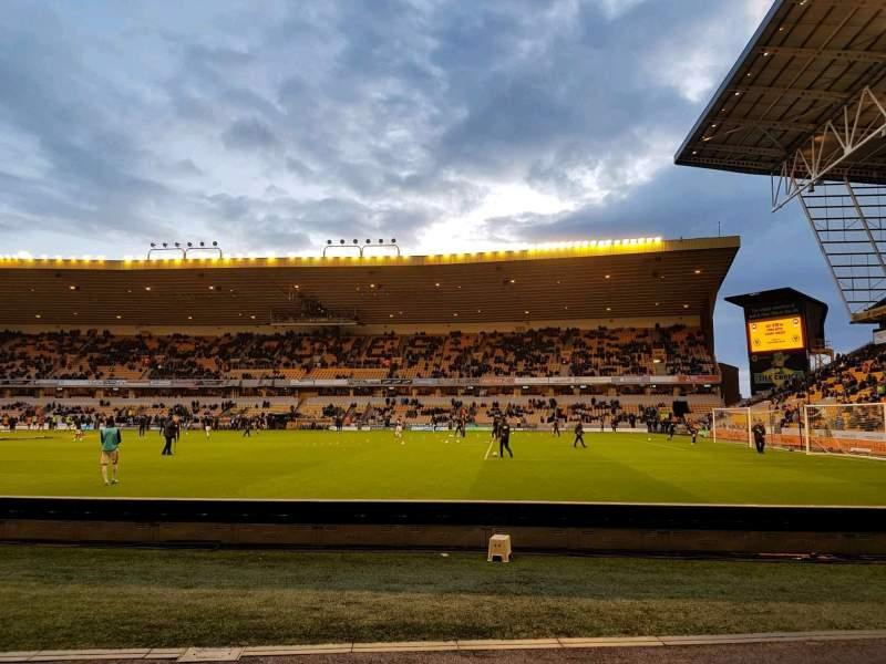 Vista sentada para Molineux Stadium Secção jl3 Fila b Lugar 70